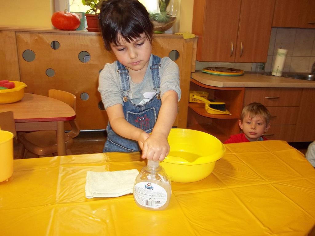 Nauka mycia rąk w grupie VII