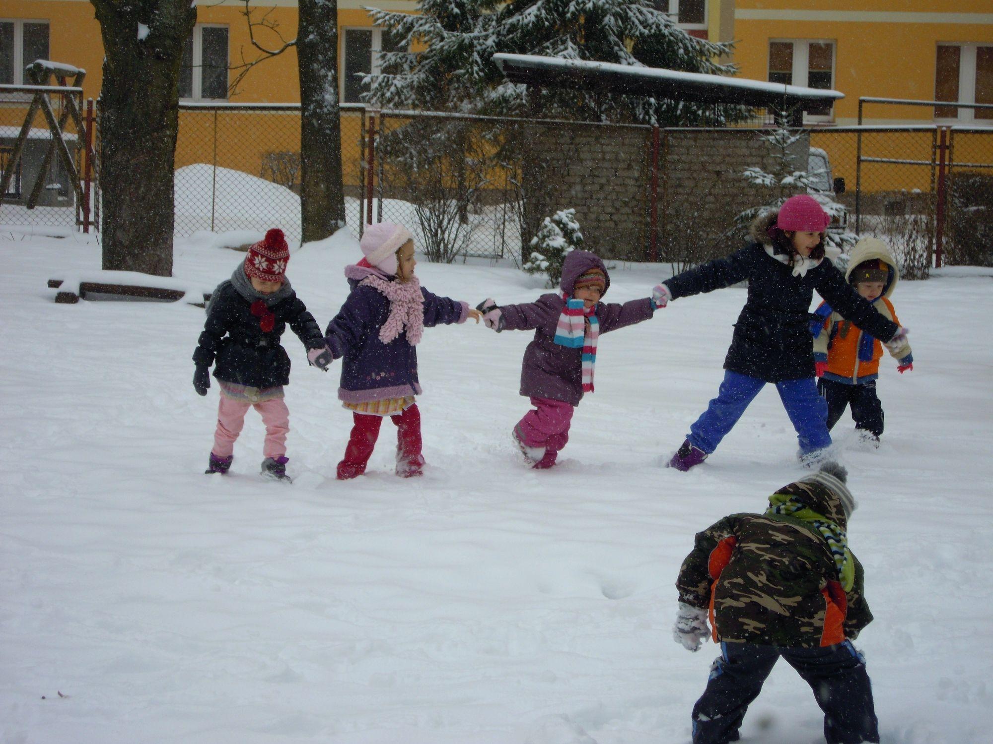 Zabawa zimowa w ogrodzie grupa II
