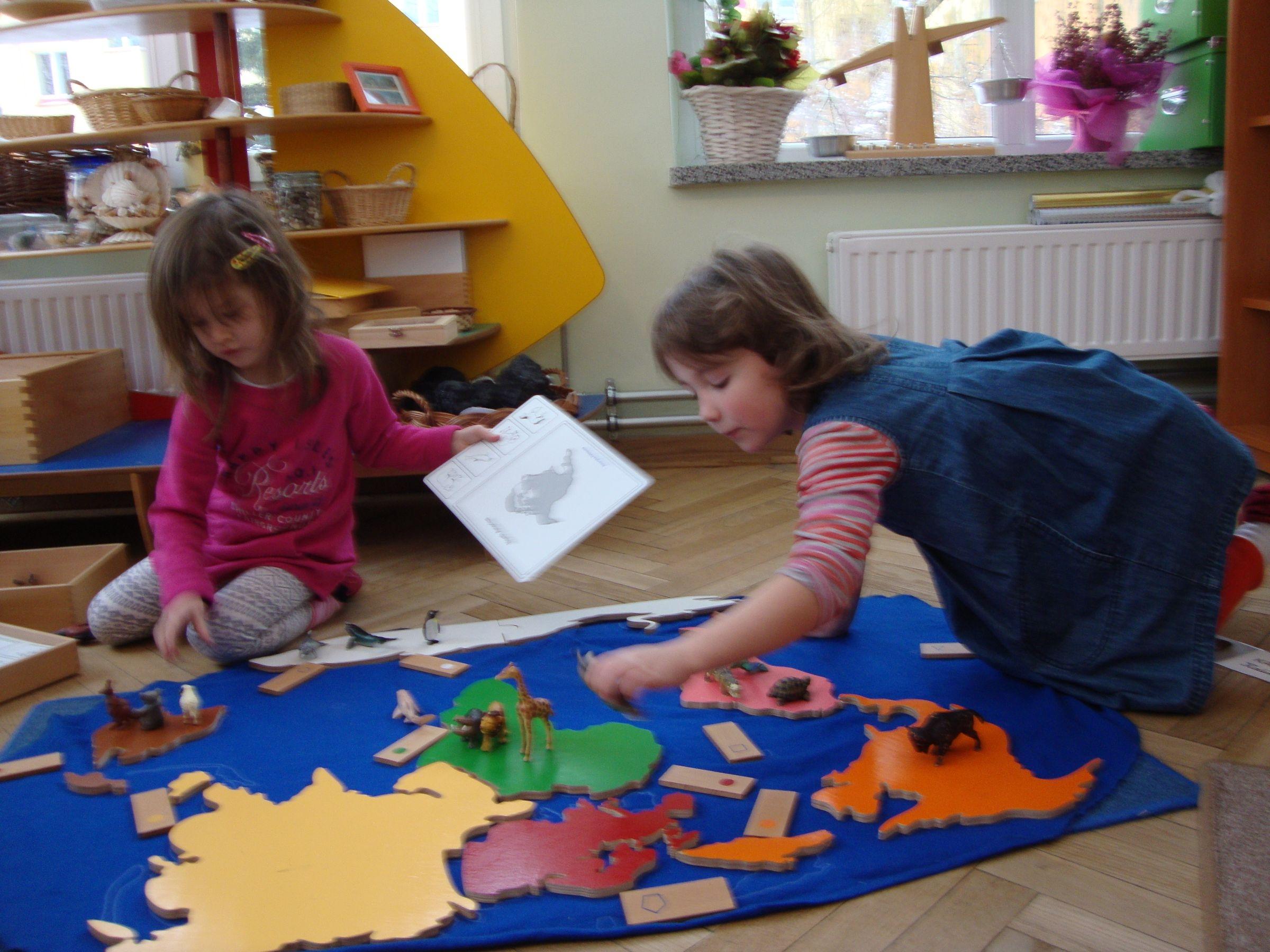 I grupa pracuje, uczy się i bawi