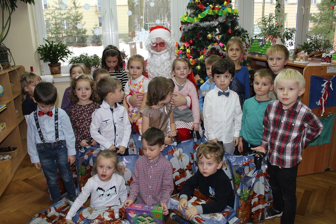Wigilia i spotkanie z Mikołajem w grupie IV