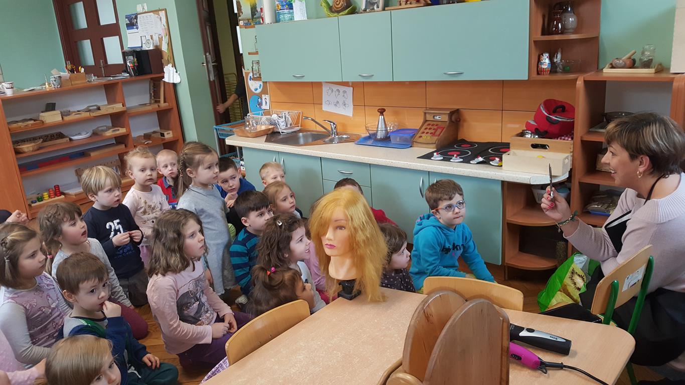 Spotkanie z zawodem fryzjera w grupie VI