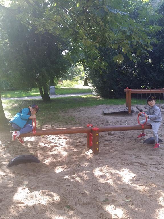 Jesienne zabawy w parku – grupa IV