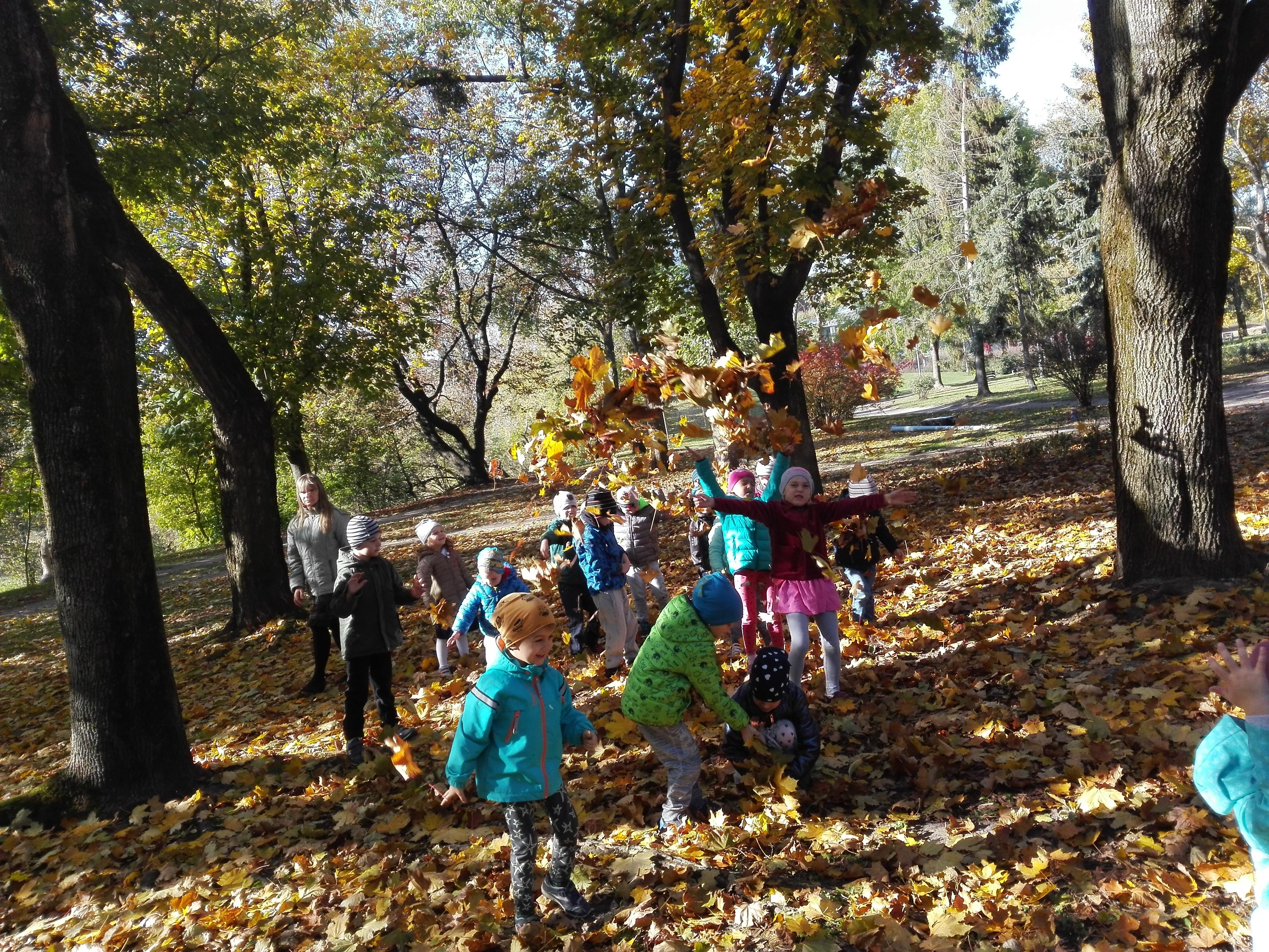 Grupa III korzysta z uroków jesieni