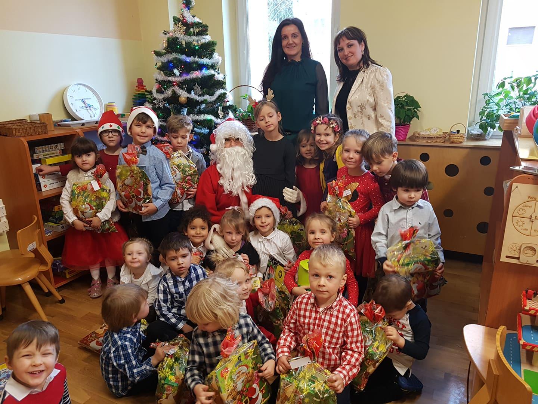 Wigilia przedszkolna i spotkanie z Mikołajem – grupa VII
