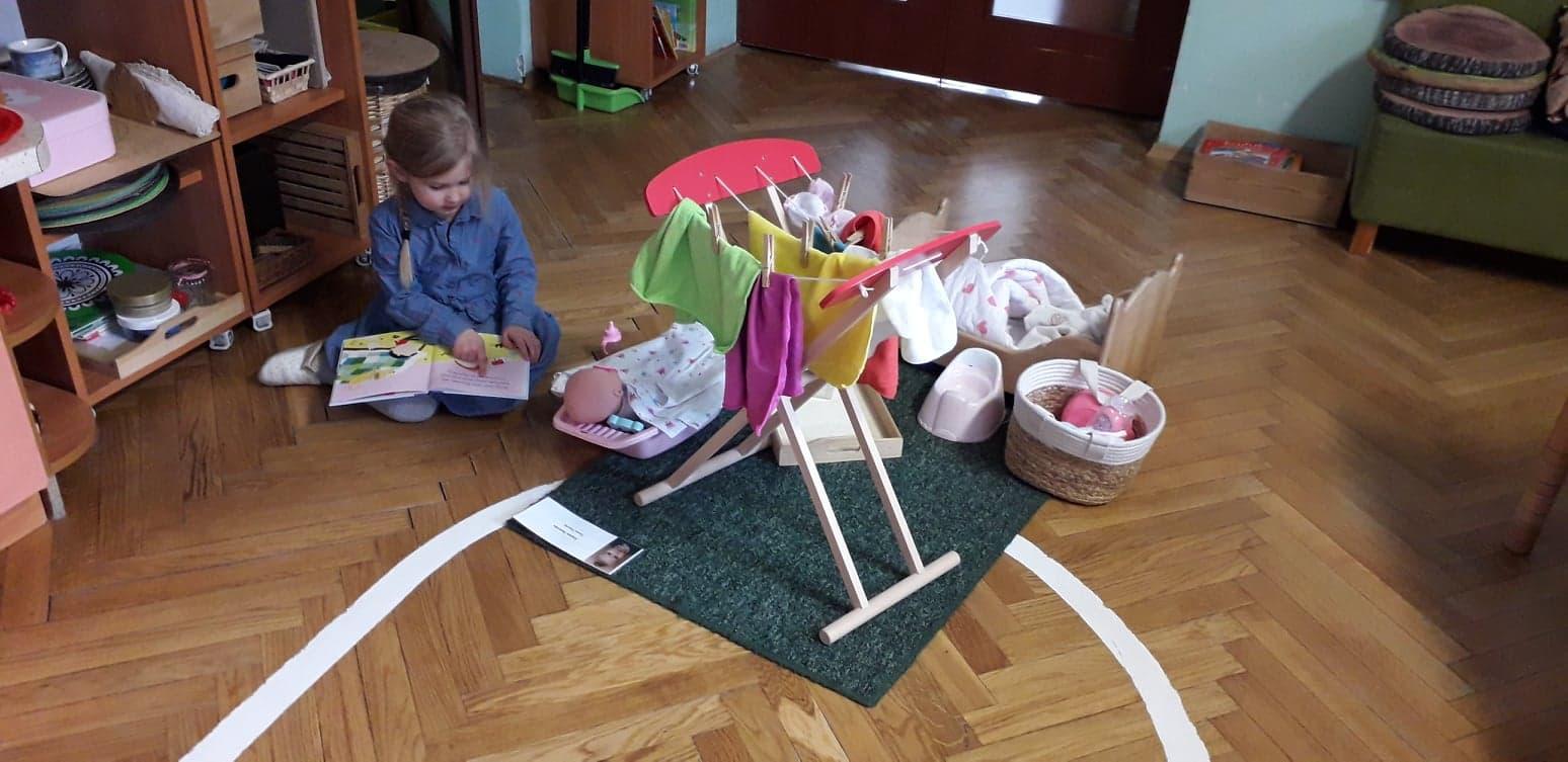 Praca Montessori w grupie V