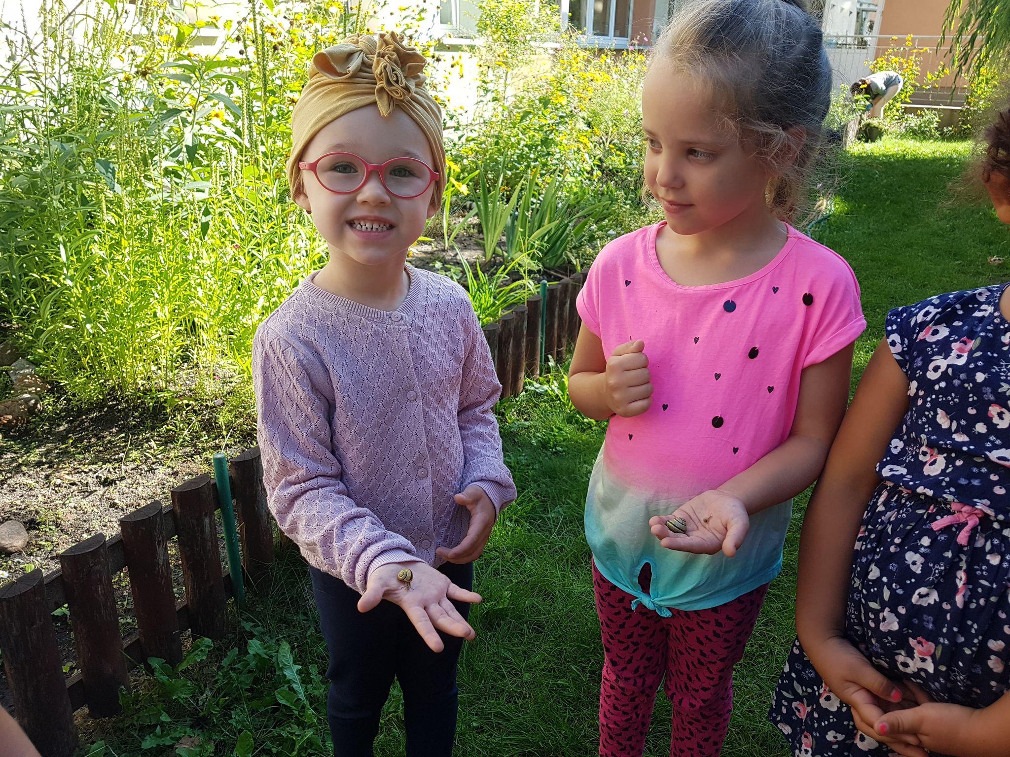 Pierwsze zabawy grupy VII w ogrodzie przedszkolnym