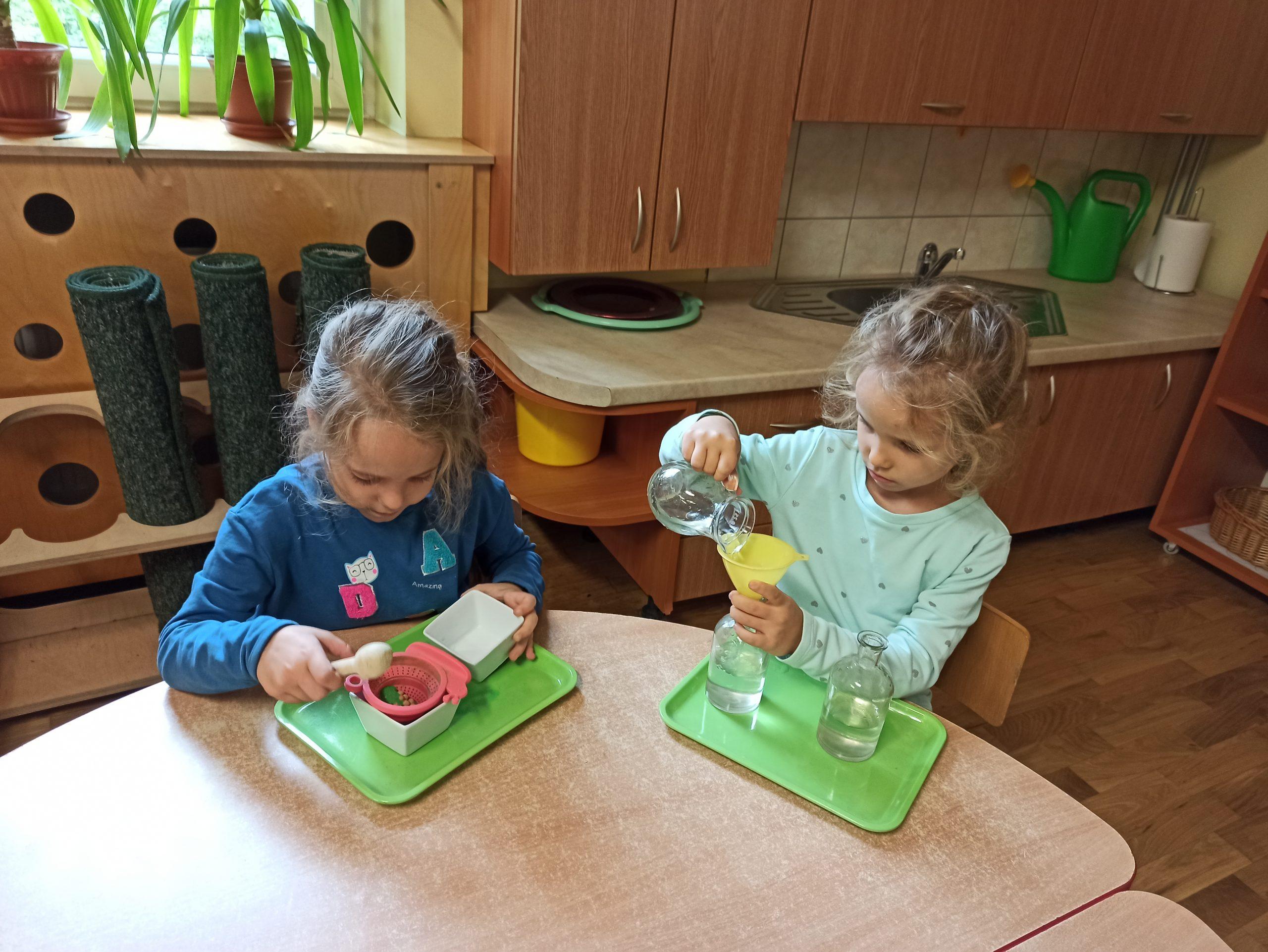 Praca własna dzieci w grupie VII