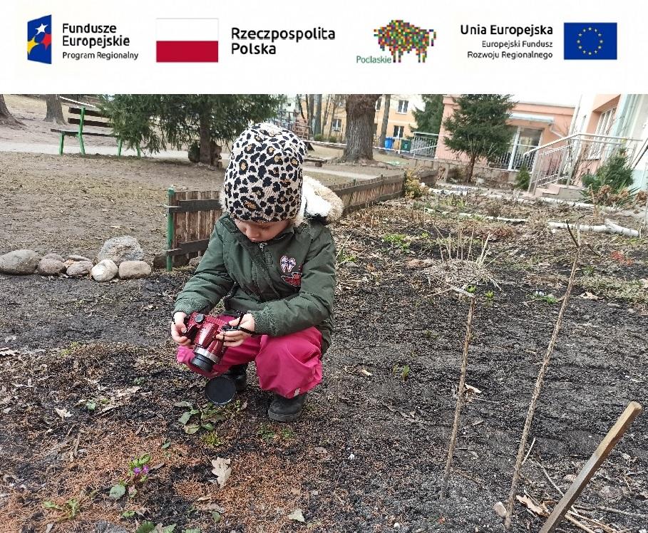 Pierwsze zwiastuny wiosny w ogrodzie przedszkola – koło fotograficzne