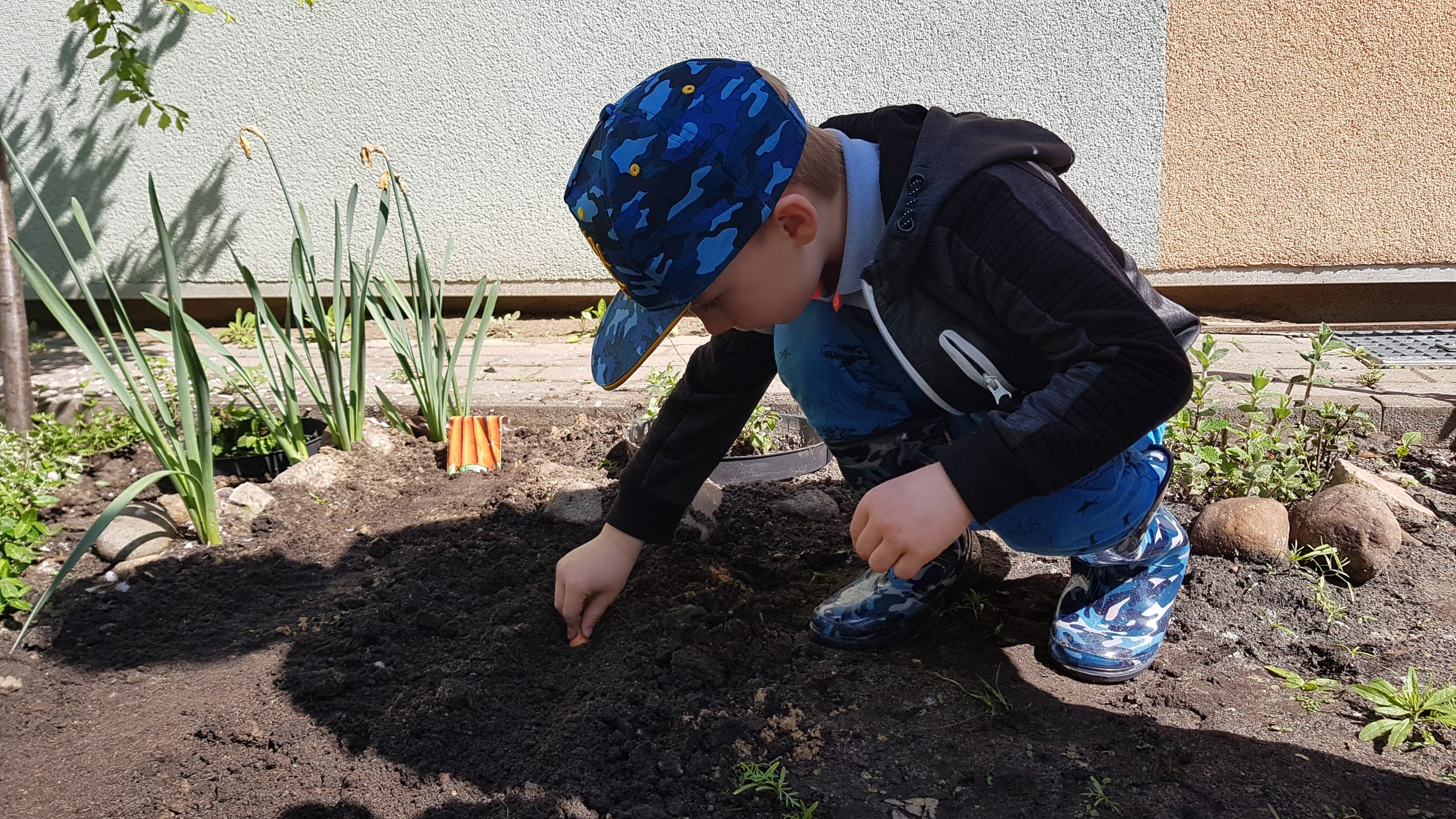 Wiosenne prace w ogródku – grupa VI